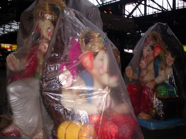 Mumbai CST preparing for Ganipati 10 September 2012